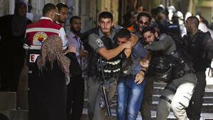 İsrail polisi Mescid-i Aksada ateş açtı