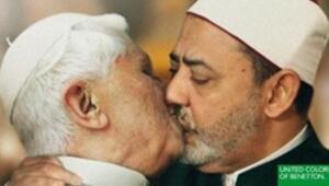 Benetton Papadan özür diledi
