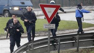 Türkiye Kouachi kardeşlerin arkadaşını Fransa'ya iade etti