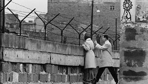Berlin Duvarının Yıkılışı (Nasıl yıkıldı)