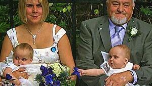 71 yaşında ikiz babası oldu