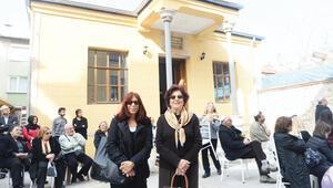 Annemin Edirne'deki mahallesinde sevinç