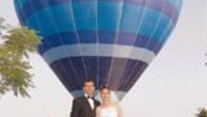THK, havada evlenmek isteyenlere uçak ve balon kiralıyor