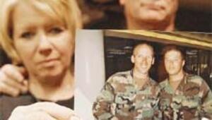 İki kardeşi Irak'ta ölen Amerikalı er ülkesine döndü