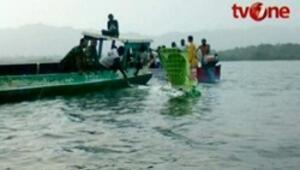 Endonezya uçağı denize düştü: 27 ölü