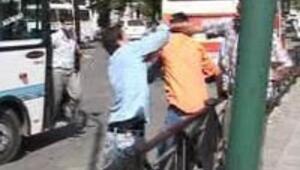Trafik röportajı sırasında naklen 'trafik terörü'