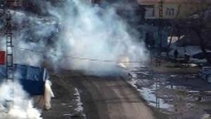 PKK yandaşları Yüksekova'da yine olay çıkardı