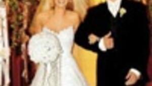 Brides kiss goodbye to dream weddings in US