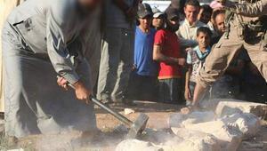 IŞİD Palmirada heykelleri parçaladı
