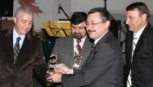 Bilişim basınının en başarılıları ödüllerini aldı
