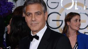 George Clooney, bekar günlerini aratmıyor