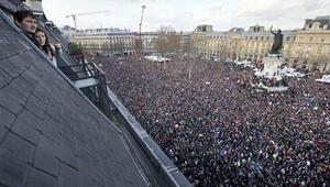 Pariste 1.5 milyon kişi teröre karşı yürüdü
