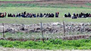 Öncüpınar kapatıldı, Suriyeliler mayınlı bölgelerden geliyor