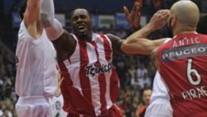 Olympiakos güle oynaya kazandı