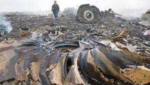 Ön rapora göre Malezya uçağı düşürüldü