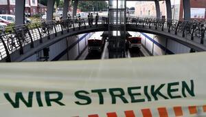 Alman Demiryolları çalışanları iş bıraktı