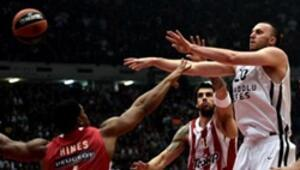 Olympiakos 82-72  Anadolu Efes