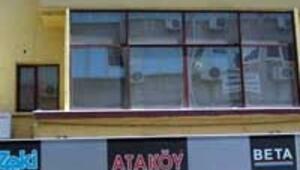 AKPli belediye mayolu tabelayı kaldırttı iddiası