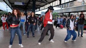 Haydarpaşada Jackson dansı