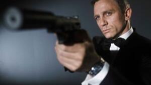 James Bond, aşkın hızına yetişemedi