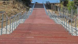 Dik yokuşlara merdiven desteği