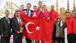 Kadın Kata ve Erkek Kumite Milli Takımları şampiyon oldu