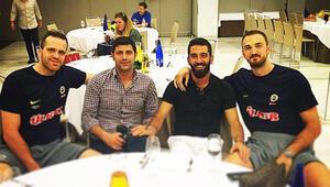 Arda Turan Fenerbahçe Ülkeri ziyaret etti