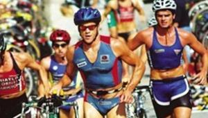 Triatlonda 63 sporcu mücadele ediyor