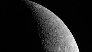 NASA uzay aracı Merküre çakıldı