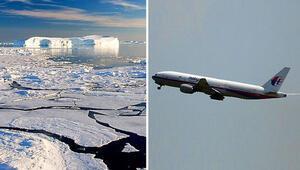 Kayıp Malezya uçağı rotasını Antarktika'ya çevirdi