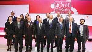 Üç aileden yarım milyar lira bağış