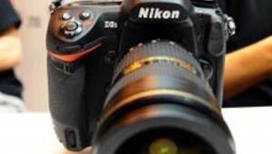 Nikon en üst modeline ilk kez Türkçe menü ekledi