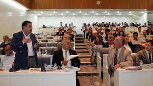 İzmir Belediyesi Meclisinde paralel yapı gerginliği