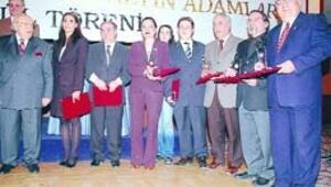 Başkent Grubu'ndan Ankara Hürriyet'e ödül