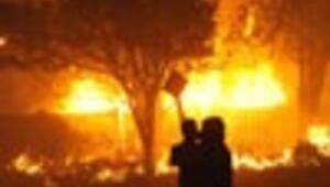 U.S. wildfire destroys multimillion-dollar LA homes in celebrity enclave