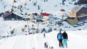 Kartalkaya'da kar bol, eğlence arttı