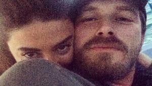 Kıvanç Tatlıtuğ ile Başak Dizerin aşk selfiesi