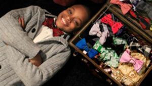11 yaşında papyon dikip internetten satıyor
