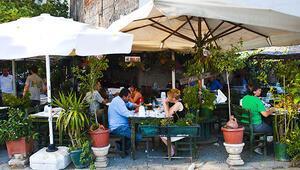 Karaköy'ün esnaf yüzü: Simitçi, kahveci, gazozcu...