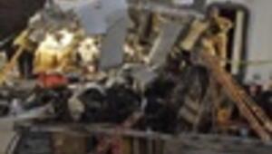 Head-on train collision kills 12 in Los Angeles