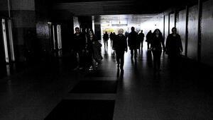 Elektrik kesintisiyle Türkiye genelinde büyük kaos yaşandı