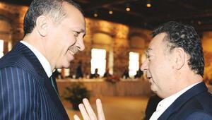 Cumhurbaşkanı Erdoğan ve Başbakan Davutoğlundan Kayahan için taziye mesajı