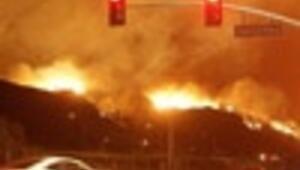 Photo Ed: California fires destroy 1,000 homes