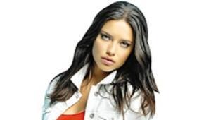Kadınlar 'Adriana kırmızısı' peşine düştü, Mavi'nin satışları yüzde 50 arttı
