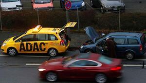 Aracı yolda kalanlara ADAC hangi hizmetleri sunuyor