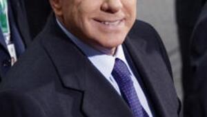 Berlusconiden fuhuş açıklaması