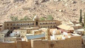 Üç dini hançer ucunda buluşturan manastır