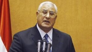 Mısırda darbe kararnamesi yayınlandı