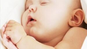Kolik ağrısı erkek bebeklerde daha sık görülüyor