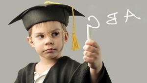 Üç büyük ile üstün zekâlı çocuk okulu